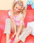 Hot teen cam girl playing with dildo